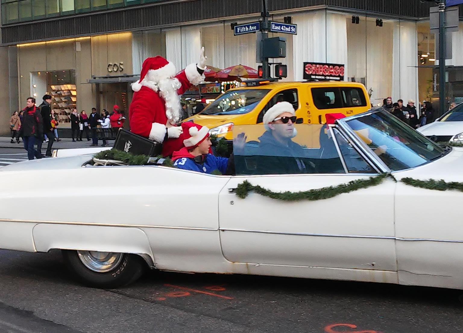 santaclause-white-caddy